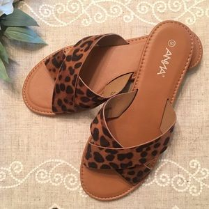 Anna Brand: Leopard slip on sandal (LIKE NEW)